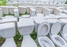 επίπεδη τουαλέτα αποβλήτων υπαίθρια στοκ φωτογραφία
