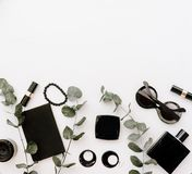 Επίπεδος βάλτε τα μαύρα θηλυκά εξαρτήματα στοκ φωτογραφίες με δικαίωμα ελεύθερης χρήσης