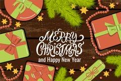 Επίπεδος βάλτε το πρότυπο Χριστουγέννων με τους κλάδους έλατου, τα φωτεινά κιβώτια δώρων με το τόξο, τις χάντρες και τα αστέρια τ στοκ εικόνες με δικαίωμα ελεύθερης χρήσης