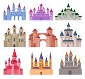 Επίπεδο διανυσματικό σύνολο μεγάλων κάστρων παραμυθιού Μεσαιωνικά παλάτια με τους υψηλούς πύργους και τις κωνικές στέγες απεικόνιση αποθεμάτων