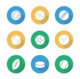 Επίπεδα εικονίδια σχεδίου αθλητικών σφαιρών καθορισμένα Στοκ Εικόνες