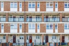 Επίπεδα κατοικίας του Συμβουλίου στο ανατολικό Λονδίνο Στοκ φωτογραφίες με δικαίωμα ελεύθερης χρήσης