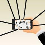 Επίπεδη διανυσματική απεικόνιση των ανθρώπινων χεριών που κρατά το κινητό τηλέφωνο με τα εικονίδια Στοκ Εικόνες