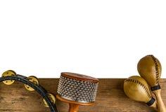 Επίπεδος βάλτε της λατινικής κρούσης στο ξύλινο γραφείο Στοκ εικόνα με δικαίωμα ελεύθερης χρήσης