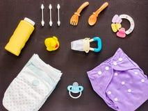 Επίπεδος βάλτε του συνόλου μωρών με την πάνα υφασμάτων Στοκ φωτογραφίες με δικαίωμα ελεύθερης χρήσης