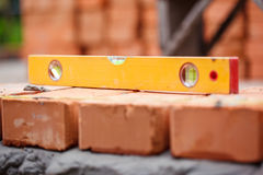 Επίπεδο στα τούβλα Στοκ φωτογραφία με δικαίωμα ελεύθερης χρήσης