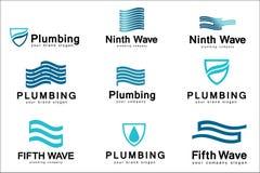 Επίπεδο σχέδιο λογότυπων για την επιχείρηση υδραυλικών Διανυσματικά υδραυλικά λογότυπων προτύπων με το κείμενο Στοκ Φωτογραφίες