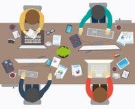 Επίπεδο ύφος σχεδίου της επιχειρησιακής συνεδρίασης, εργαζόμενος γραφείων Στοκ εικόνα με δικαίωμα ελεύθερης χρήσης