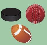 επίσης corel σύρετε το διάνυσμα απεικόνισης Σύνολο αθλητικού εξοπλισμού Σφαίρα χόκεϋ, σφαίρα για το γρύλο, αμερικανικό ποδόσφαιρο Στοκ Εικόνες