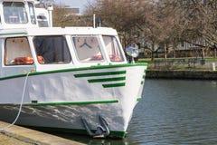Επίσκεψη της βάρκας του άσπρου στόλου στο αγκυροβόλιο Στοκ εικόνες με δικαίωμα ελεύθερης χρήσης