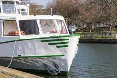 Επίσκεψη της βάρκας του άσπρου στόλου στο αγκυροβόλιο Στοκ Φωτογραφία