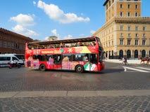 Επίσκεψη του λεωφορείου στο venezia Ρώμη πλατειών Στοκ εικόνα με δικαίωμα ελεύθερης χρήσης
