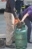 Επίδειξη με τους πυροσβεστήρες στοκ φωτογραφία με δικαίωμα ελεύθερης χρήσης