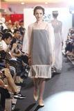 Επίδειξη μόδας της κοινωνίας μόδας ` Μπανγκόκ, BFS ` στο τμήμα Emquartier Στοκ Εικόνες