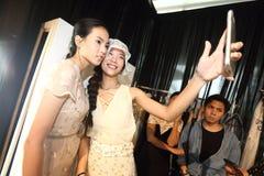Επίδειξη μόδας της κοινωνίας μόδας ` Μπανγκόκ, BFS ` στο τμήμα Emquartier Στοκ Φωτογραφία