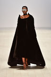 Επίδειξη μόδας Kakopieros Στοκ εικόνα με δικαίωμα ελεύθερης χρήσης