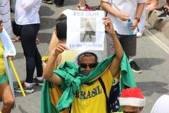 Επίδειξη στην κατηγορία υποστήριξης Dilma Rousseff σε Copacabana Στοκ φωτογραφία με δικαίωμα ελεύθερης χρήσης