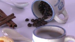 Επίδειξη φλυτζανιών καφέ απόθεμα βίντεο