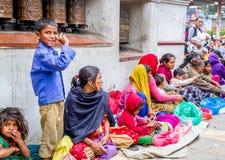 Επαίτες σε Swayambhunath Stupa Στοκ Φωτογραφίες