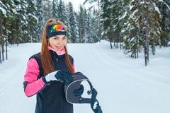 Επαγγελματική ανώμαλη κλασική σκανδιναβική να κάνει σκι γυναικών στήριξη Στοκ εικόνες με δικαίωμα ελεύθερης χρήσης