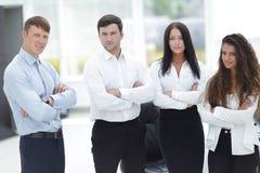 Επαγγελματική επιχειρησιακή ομάδα που στέκεται στην αρχή Στοκ Φωτογραφίες