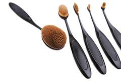 Επαγγελματική συλλογή βουρτσών makeup στο άσπρο υπόβαθρο Στοκ Εικόνες