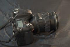 Επαγγελματική ψηφιακή κάμερα με το φακό ζουμ Επιχειρησιακή έννοια φωτογραφίας στοκ φωτογραφίες με δικαίωμα ελεύθερης χρήσης