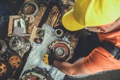 Επαγγελματικός μηχανικός μηχανημάτων στοκ φωτογραφίες