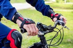 Επαγγελματικός συναγωνιμένος οδηγός στο ποδήλατο Ανακύκλωση competition_ Στοκ Εικόνες