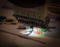 Επαγγελματικό κλωστοϋφαντουργικό προϊόν κεντητικής ράβοντας μηχανών Στοκ φωτογραφίες με δικαίωμα ελεύθερης χρήσης