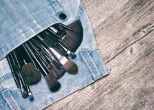 Επαγγελματικά εργαλεία του καλλιτέχνη makeup με το διάστημα αντιγράφων Στοκ Εικόνες