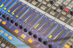 Επαγγελματική κονσόλα αναμικτών μουσικής Στοκ Φωτογραφία