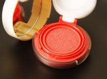 Επαγγελματικός αποτελέστε το σφουγγάρι αέρα blusher μάγουλων στοκ φωτογραφία με δικαίωμα ελεύθερης χρήσης