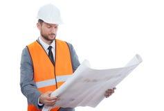 Επαγγελματικός αρσενικός επιχειρηματίας κατασκευής με τα σχεδιαγράμματά του Στοκ Εικόνες