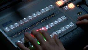 Επαγγελματικός ελεγχόμενος τηλεοπτικός switcher παραγωγής η τηλεοπτική ραδιοφωνική μετάδοση απόθεμα βίντεο