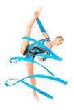 Επαγγελματικός gymnast με την κορδέλλα Στοκ φωτογραφία με δικαίωμα ελεύθερης χρήσης