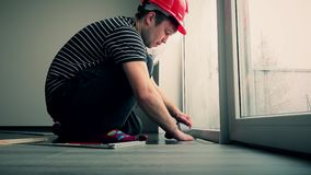 Επαγγελματικό να δέσει με ταινία τύπων ξυλουργών κάτω από το υπόστρωμα δαπέδων με την ταινία φιλμ μικρού μήκους