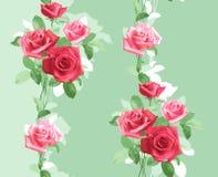 Επαναλαμβανόμενο κάθετα σχέδιο των λεπτών ρόδινων τριαντάφυλλων απεικόνιση αποθεμάτων