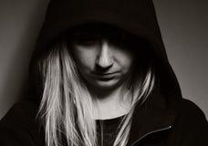 Επαναστατικός έφηβος στην κουκούλα Στοκ φωτογραφία με δικαίωμα ελεύθερης χρήσης
