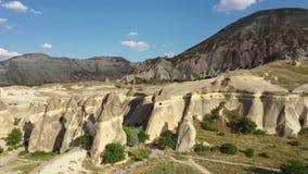 Επαρκές τοπίο της Τουρκίας Cappadocia, που πυροβολεί από τον κηφήνα φιλμ μικρού μήκους