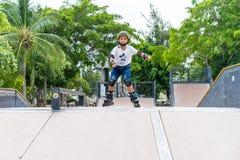 Επαρχία Chonburi, Ταϊλάνδη - 30 Ιουλίου 2018: Αγόρι που ασκεί inl Στοκ Εικόνα