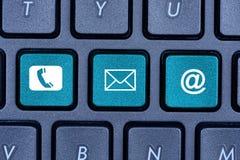 Επαφή στον υπολογιστή kekyboard Στοκ εικόνες με δικαίωμα ελεύθερης χρήσης