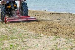 Επεξεργασία άμμου παραλιών Στοκ φωτογραφία με δικαίωμα ελεύθερης χρήσης
