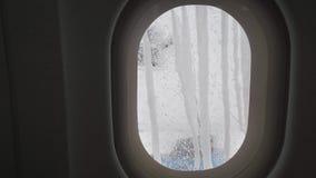 Επεξεργασία των αεροσκαφών από την τήξη πριν από το βίντεο μήκους σε πόδηα αποθεμάτων πτήσης απόθεμα βίντεο