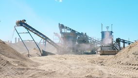 Επεξεργασία των ορυκτών πόρων που πραγματοποιούνται από τους μύλους φιλμ μικρού μήκους