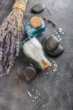 Επεξεργασία SPA - προσοχή σωμάτων aromatherapy lavender Στοκ Εικόνες