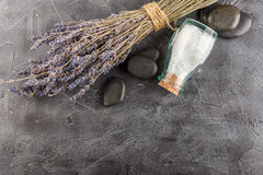 Επεξεργασία SPA - προσοχή σωμάτων aromatherapy lavender Στοκ εικόνες με δικαίωμα ελεύθερης χρήσης