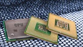 Επεξεργαστές υπολογιστών στο εξαγωνικό κατασκευασμένο πλέγμα Στοκ φωτογραφία με δικαίωμα ελεύθερης χρήσης