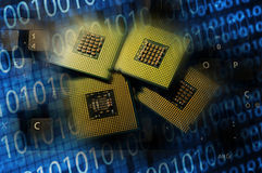 Επεξεργαστές υπολογιστών στο πληκτρολόγιο και τα δυαδικά αποτελέσματα postproduction Στοκ εικόνα με δικαίωμα ελεύθερης χρήσης