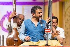 Επευφημημένος τραγουδιστής Τ Μ Krishna μουσικής Carnatic στη συναυλία Στοκ Εικόνες